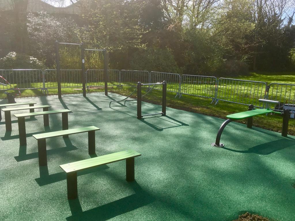 Installation d'un fitness avec son sol de sécurité EPDM à LOOS